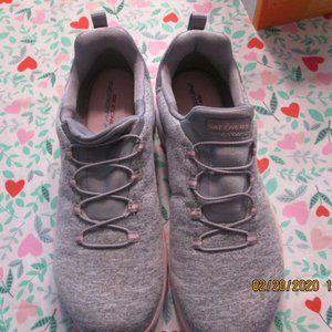 Sketcher Memory Foam Sneakers Size 9 M